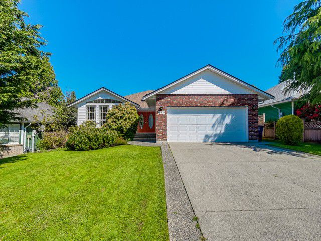 Main Photo: 12635 19TH Avenue in Surrey: Crescent Bch Ocean Pk. House for sale (South Surrey White Rock)  : MLS®# F1440710
