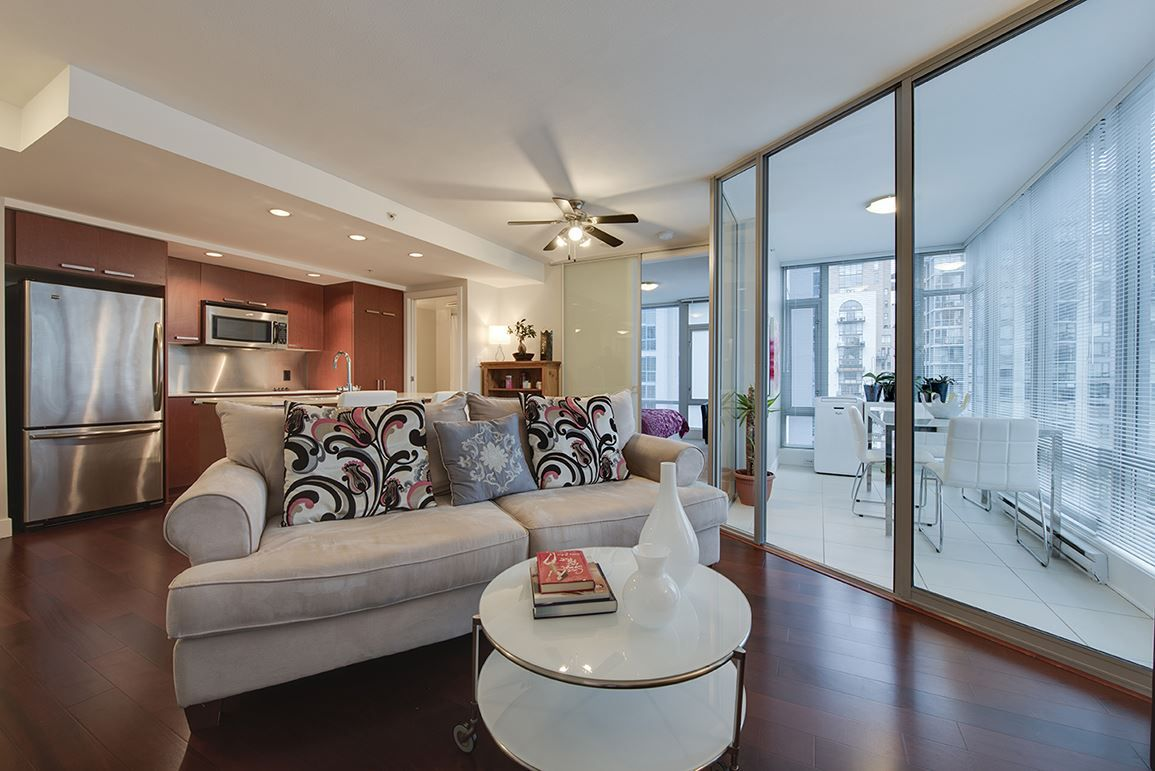 "Main Photo: 1202 1255 SEYMOUR Street in Vancouver: Downtown VW Condo for sale in ""ELAN"" (Vancouver West)  : MLS®# R2029576"