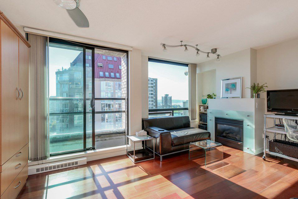 """Main Photo: 1505 1003 BURNABY Street in Vancouver: West End VW Condo for sale in """"MILANO"""" (Vancouver West)  : MLS®# R2053334"""