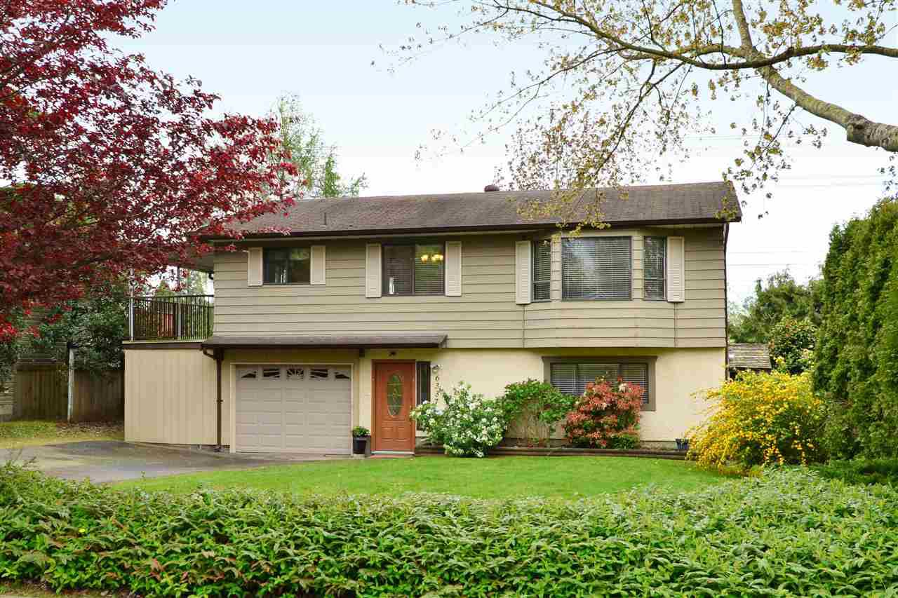 "Main Photo: 6337 SUNDANCE Drive in Surrey: Cloverdale BC House for sale in ""Cloverdale"" (Cloverdale)  : MLS®# R2056445"