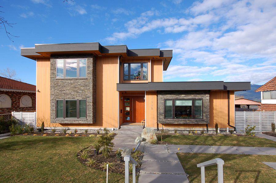 Main Photo: 7025 BELCARRA Drive in Burnaby: Westridge BN House for sale (Burnaby North)  : MLS®# R2162350