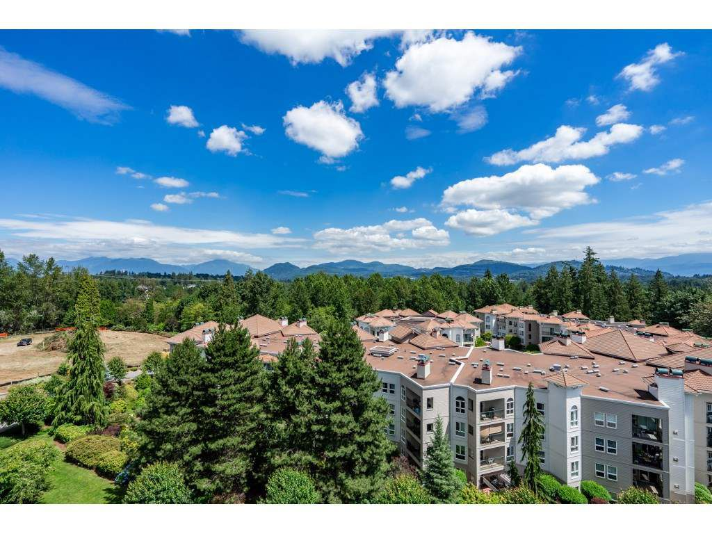 """Main Photo: 703 3170 GLADWIN Road in Abbotsford: Central Abbotsford Condo for sale in """"REGENCY PARK TOWERS"""" : MLS®# R2329899"""