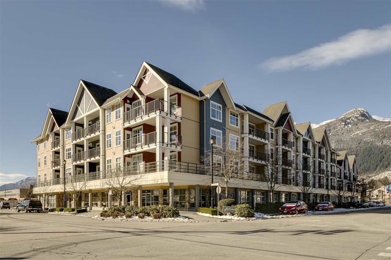Main Photo: 309 1336 MAIN Street in Squamish: Downtown SQ Condo for sale : MLS®# R2343015