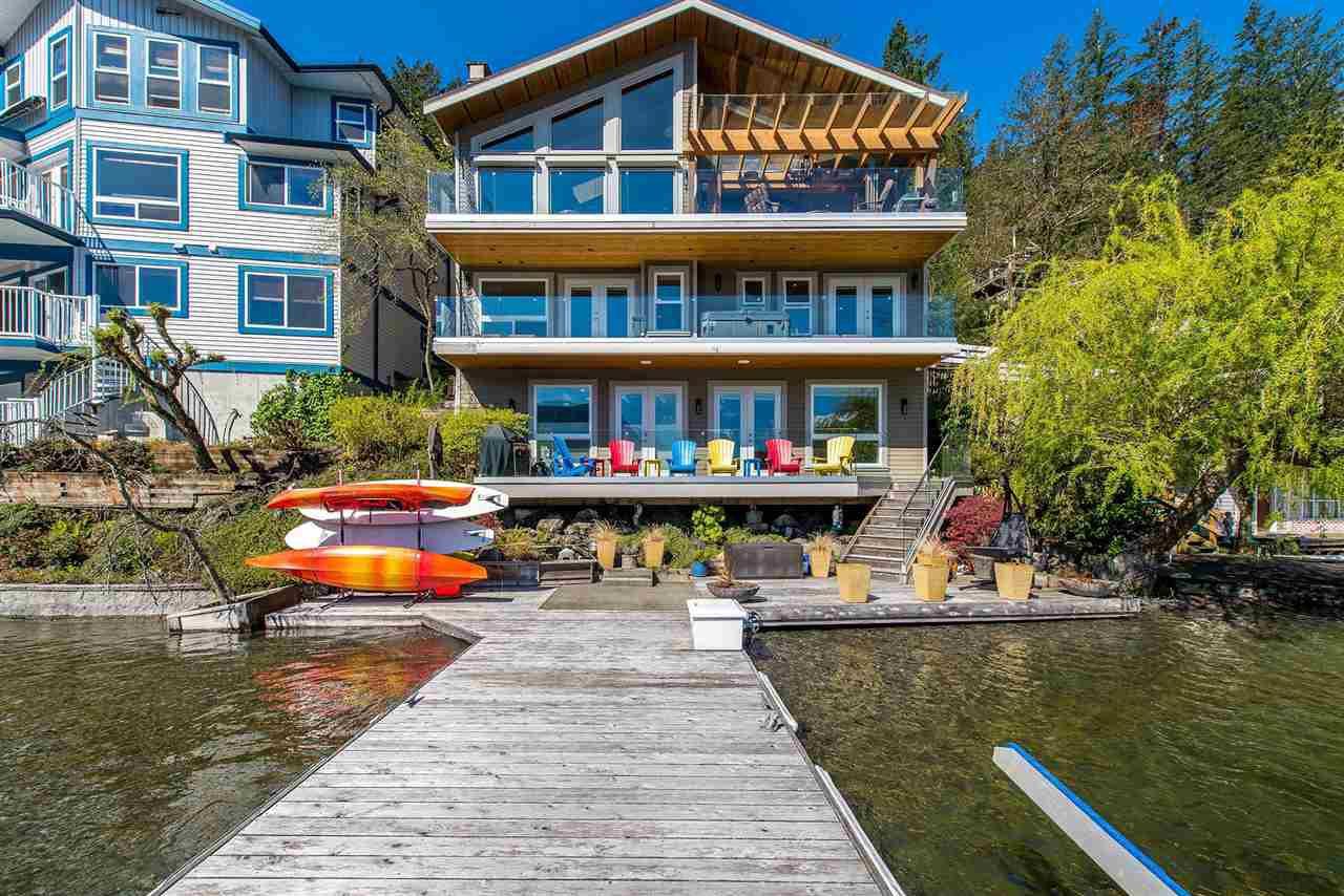 Main Photo: 38 LAKESHORE Drive: Cultus Lake House for sale : MLS®# R2353493
