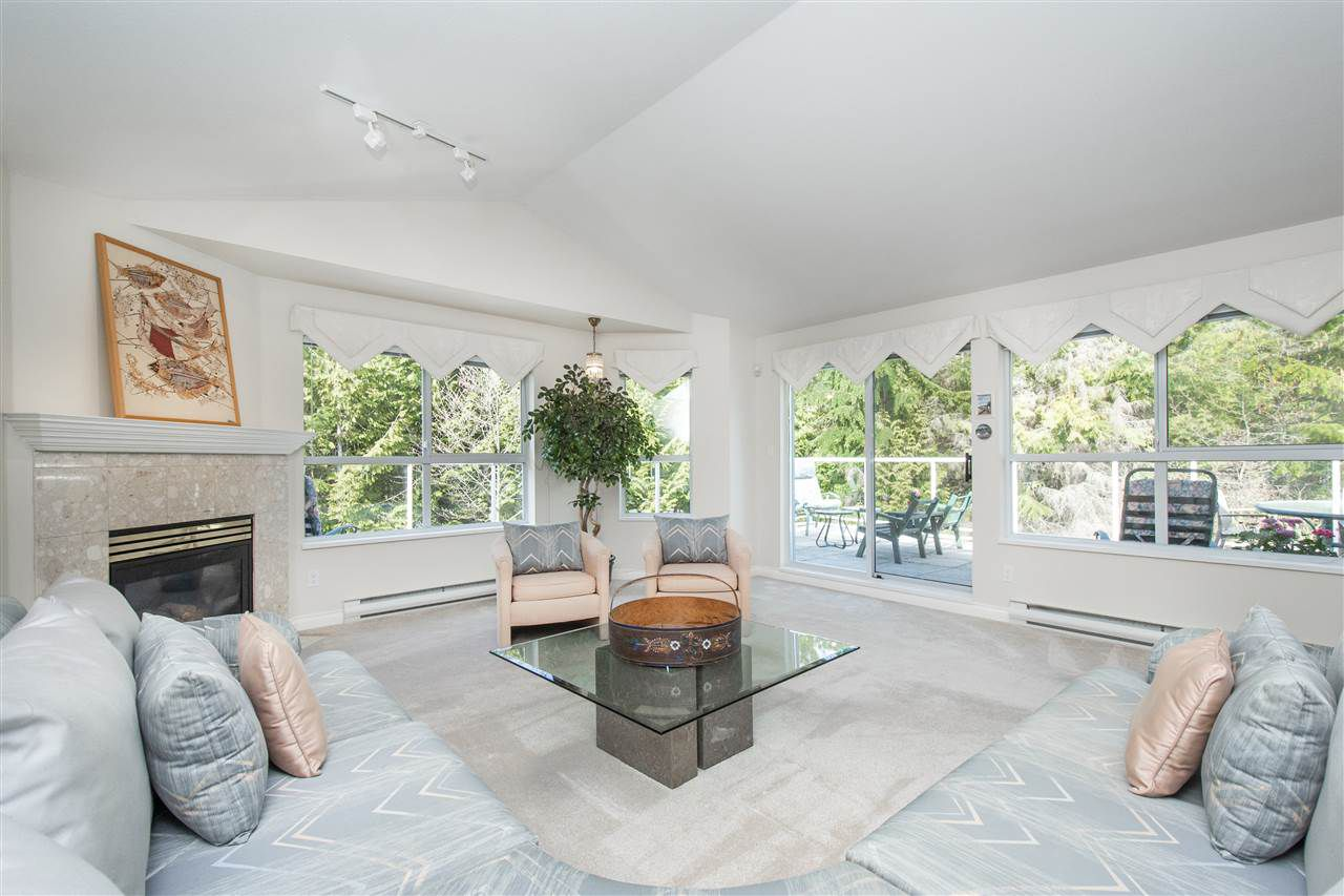 "Main Photo: 401 1283 PARKGATE Avenue in North Vancouver: Northlands Condo for sale in ""Parkgate Place"" : MLS®# R2355284"
