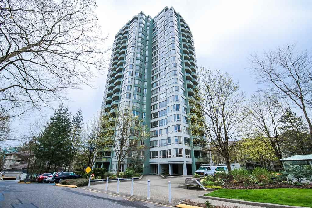 Main Photo: 1901 10082 148 Street in Surrey: Guildford Condo for sale (North Surrey)  : MLS®# R2357774