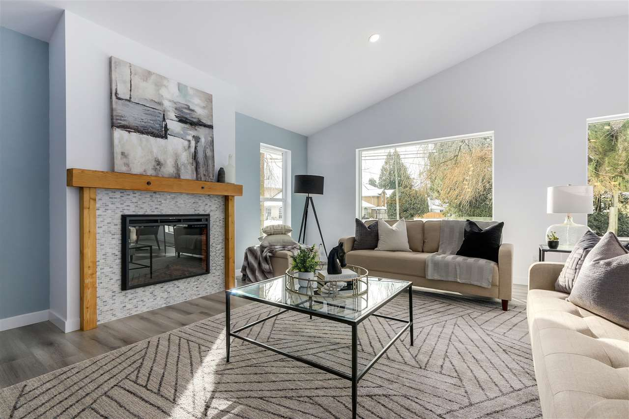 Main Photo: 21199 RIVER Road in Maple Ridge: Southwest Maple Ridge House for sale : MLS®# R2358329