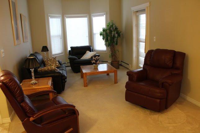 Main Photo: 317 14259 50 Street NW in Edmonton: Zone 02 Condo for sale : MLS®# E4153451