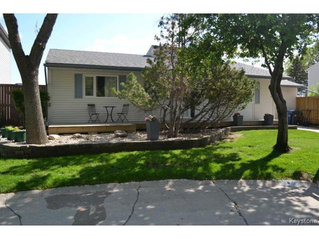 Main Photo: 97 Greensboro Square in WINNIPEG: Fort Garry / Whyte Ridge / St Norbert Residential for sale (South Winnipeg)  : MLS®# 1512277