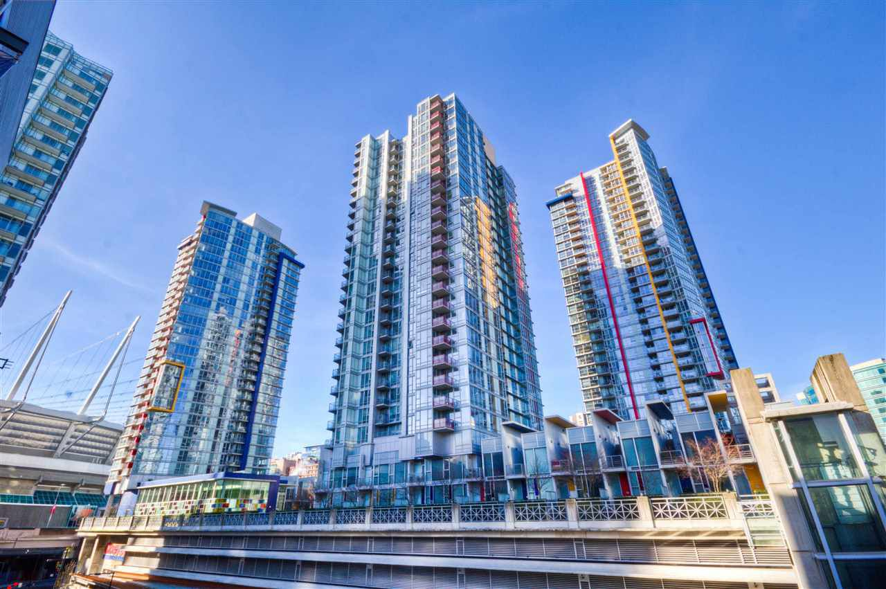 """Main Photo: 2701 131 REGIMENT Square in Vancouver: Downtown VW Condo for sale in """"SPECTRUM"""" (Vancouver West)  : MLS®# R2032610"""
