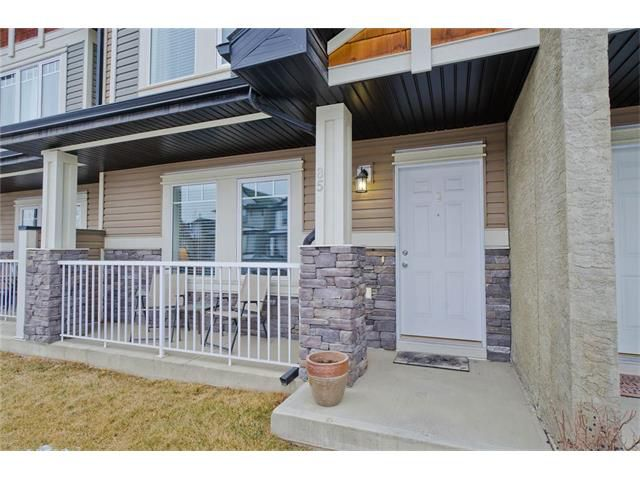 Main Photo: 85 PRESTWICK Villa(s) SE in Calgary: McKenzie Towne House  : MLS®# C4098791