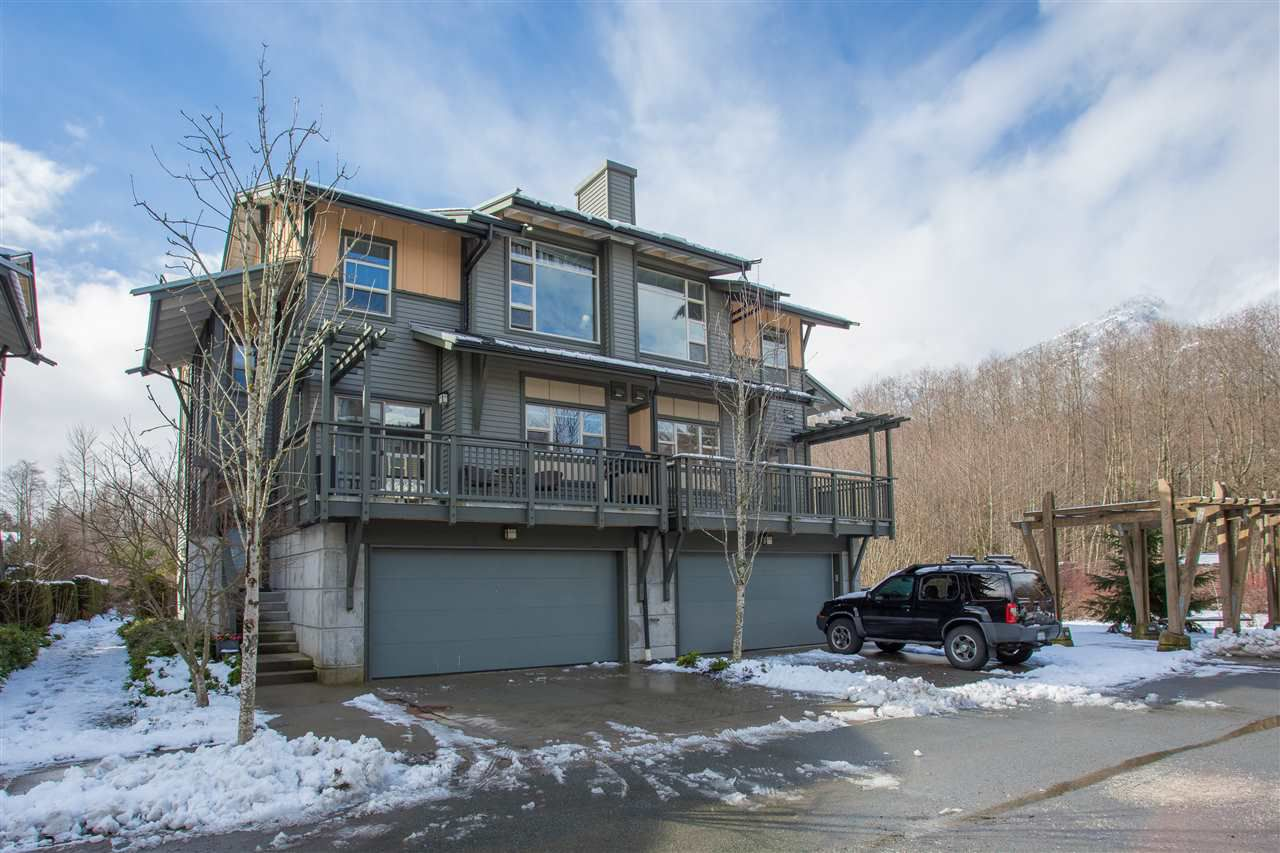 """Main Photo: 1164 VILLAGE GREEN Way in Squamish: Downtown SQ House 1/2 Duplex for sale in """"Talon at Eaglewind"""" : MLS®# R2145018"""
