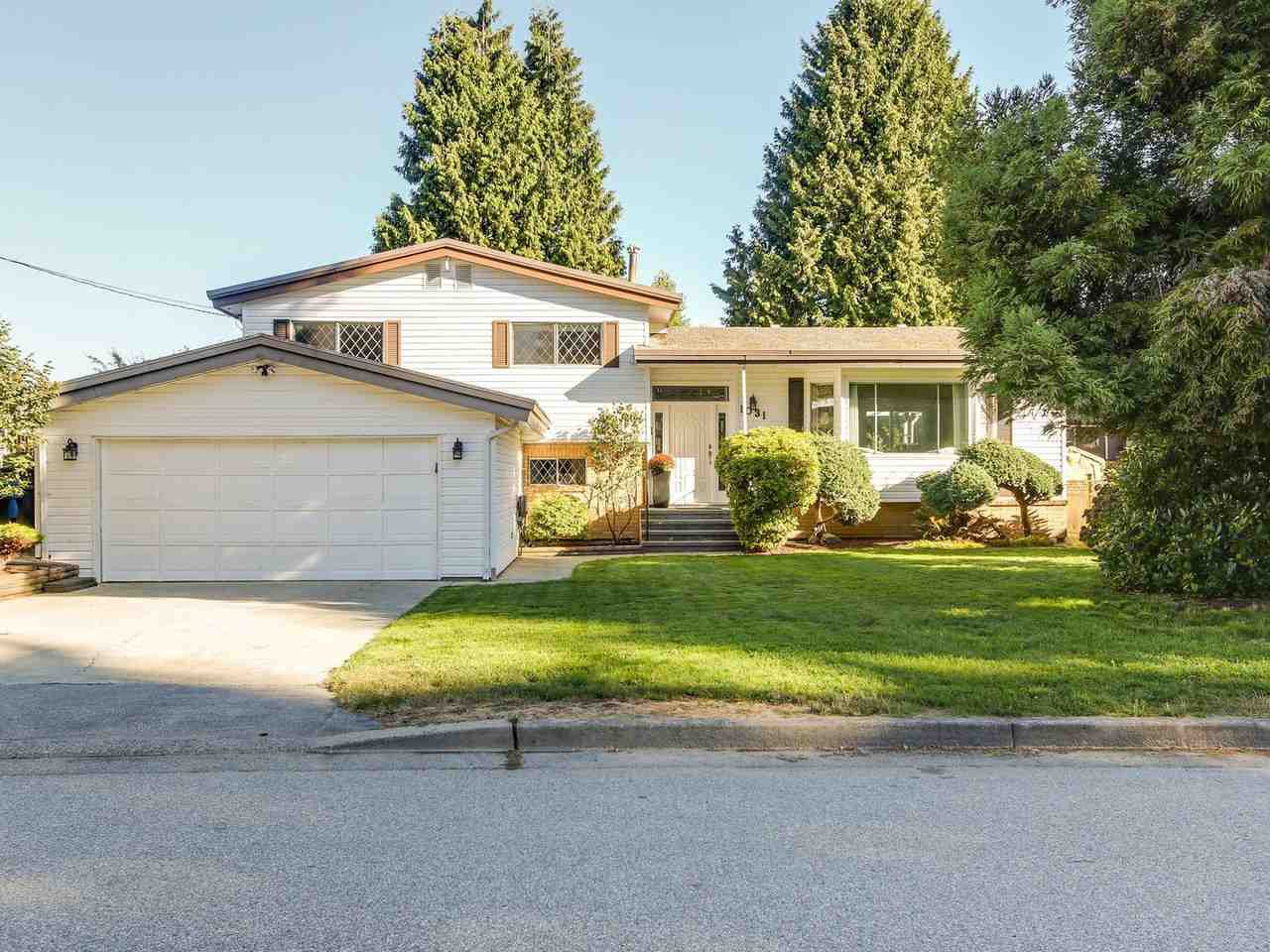 Main Photo: 1031 HIBBARD Avenue in Coquitlam: Harbour Chines House for sale : MLS®# R2204817