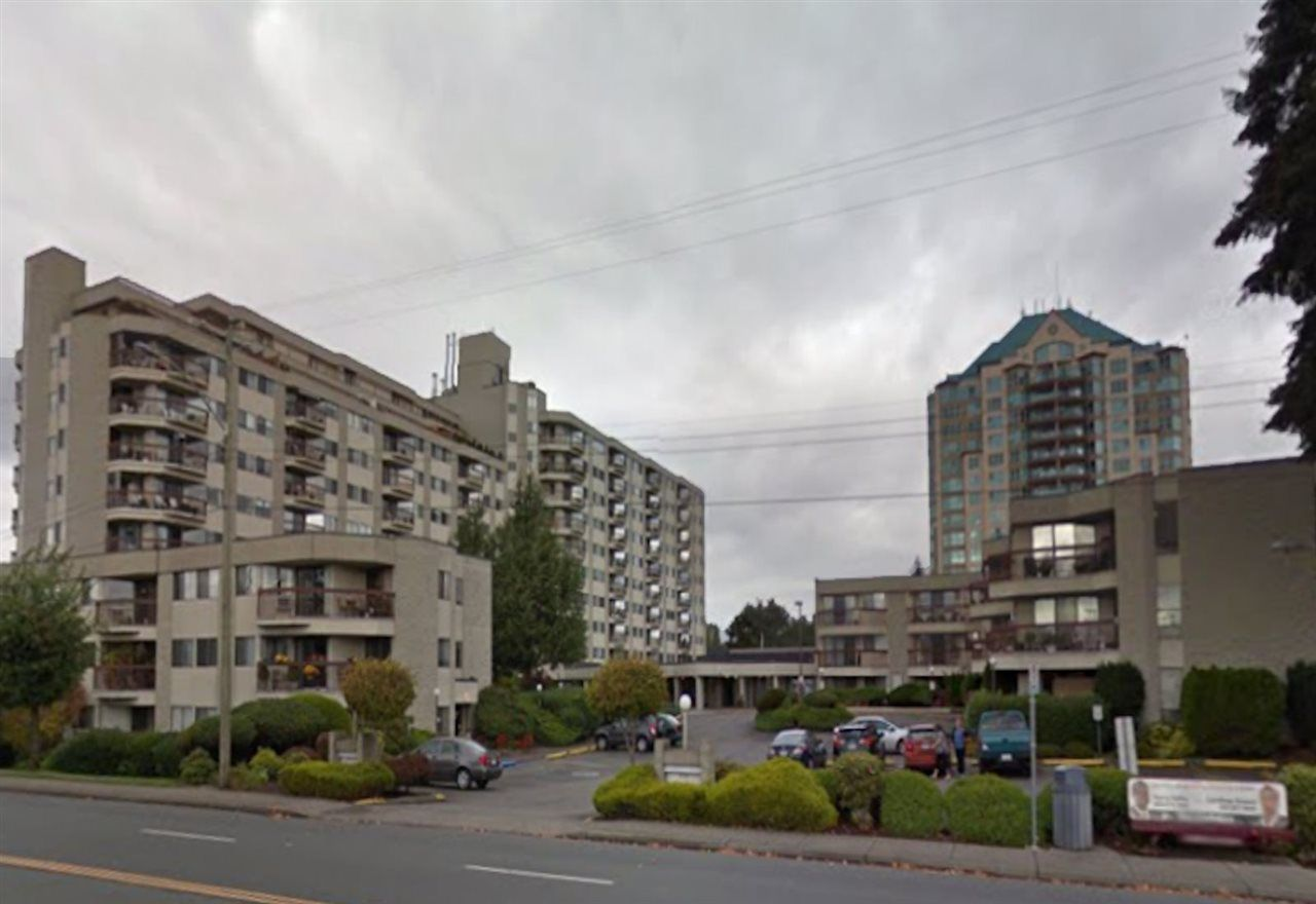 "Main Photo: 207 31955 OLD YALE Road in Abbotsford: Abbotsford West Condo for sale in ""EVERGREEN VILLAGE"" : MLS®# R2217051"