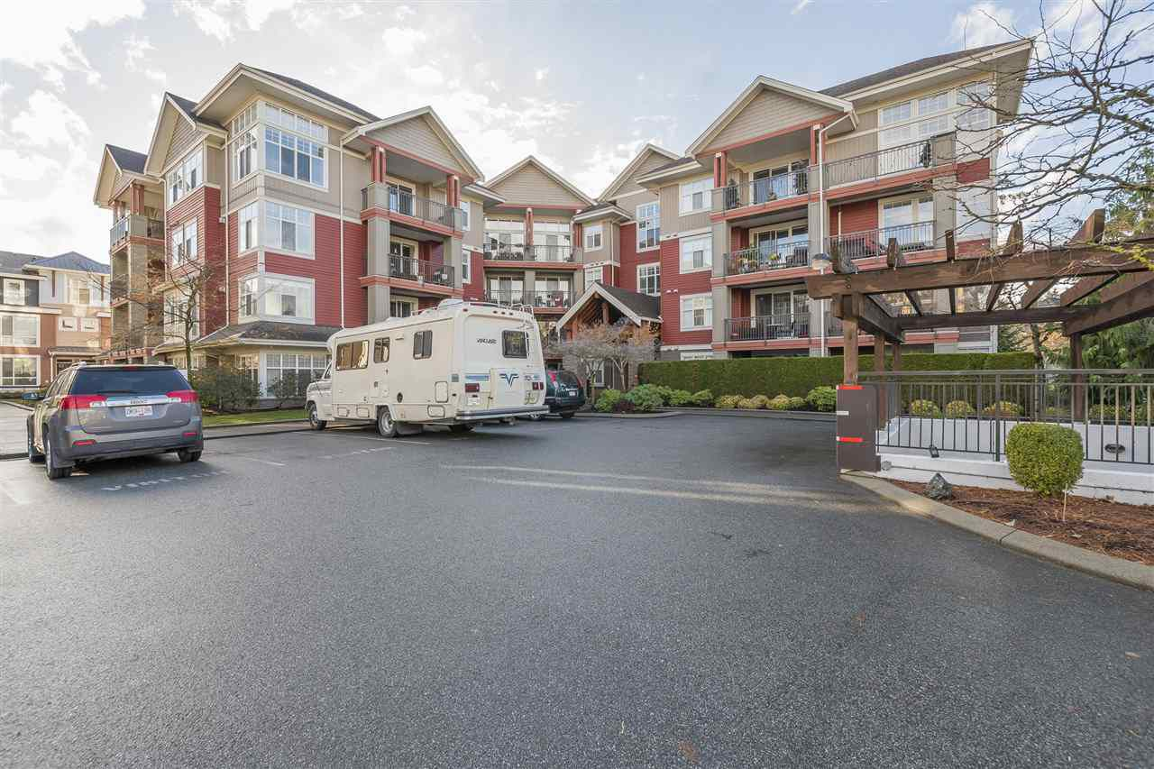 Main Photo: 308A 45595 TAMIHI Way in Sardis: Vedder S Watson-Promontory Condo for sale : MLS®# R2222709