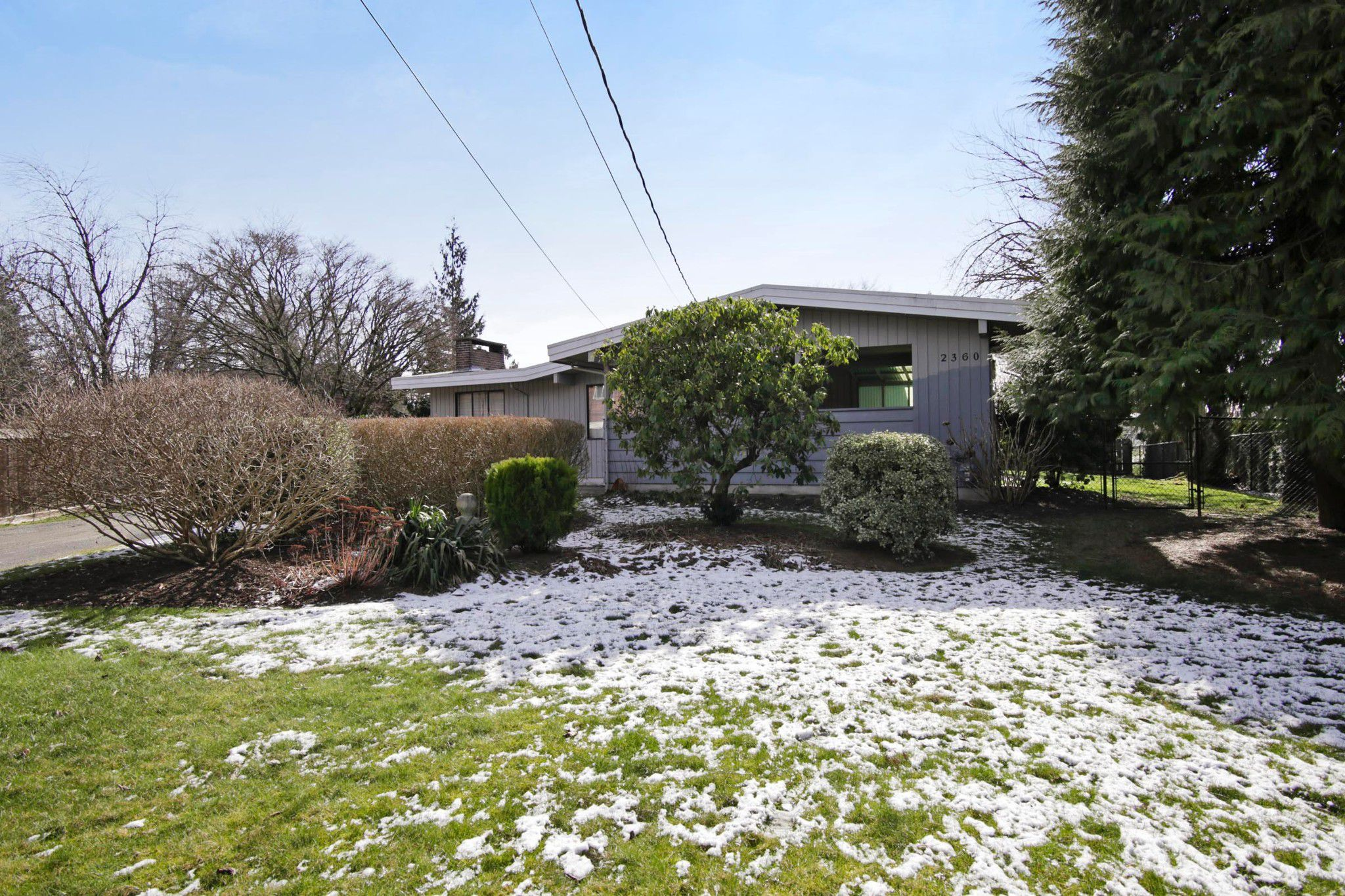 Main Photo: 2360 CRESCENT Way in Abbotsford: Central Abbotsford House for sale : MLS®# R2242278