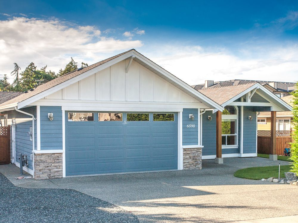 Main Photo: 6590 Kestrel Cres in North Nanaimo: House for sale : MLS®# 382453