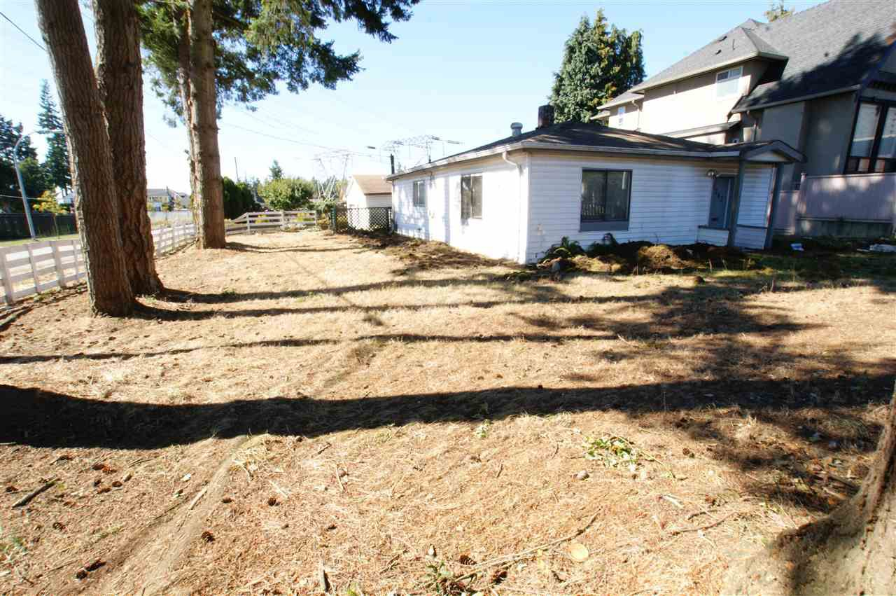 Main Photo: 6207 126 STREET in : Panorama Ridge House for sale : MLS®# R2116428