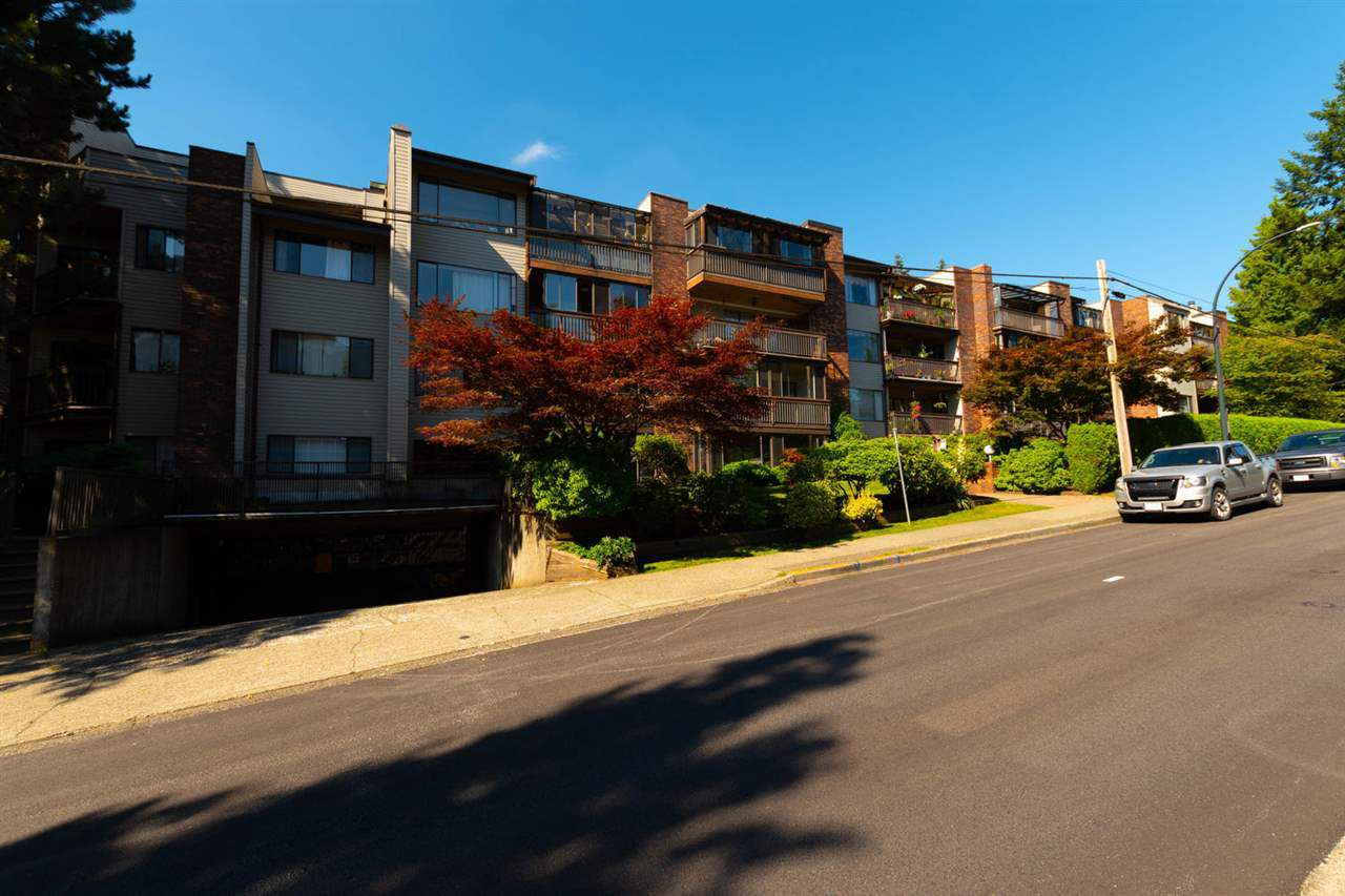 """Main Photo: 411 13316 OLD YALE Road in Surrey: Whalley Condo for sale in """"Yale House"""" (North Surrey)  : MLS®# R2285927"""