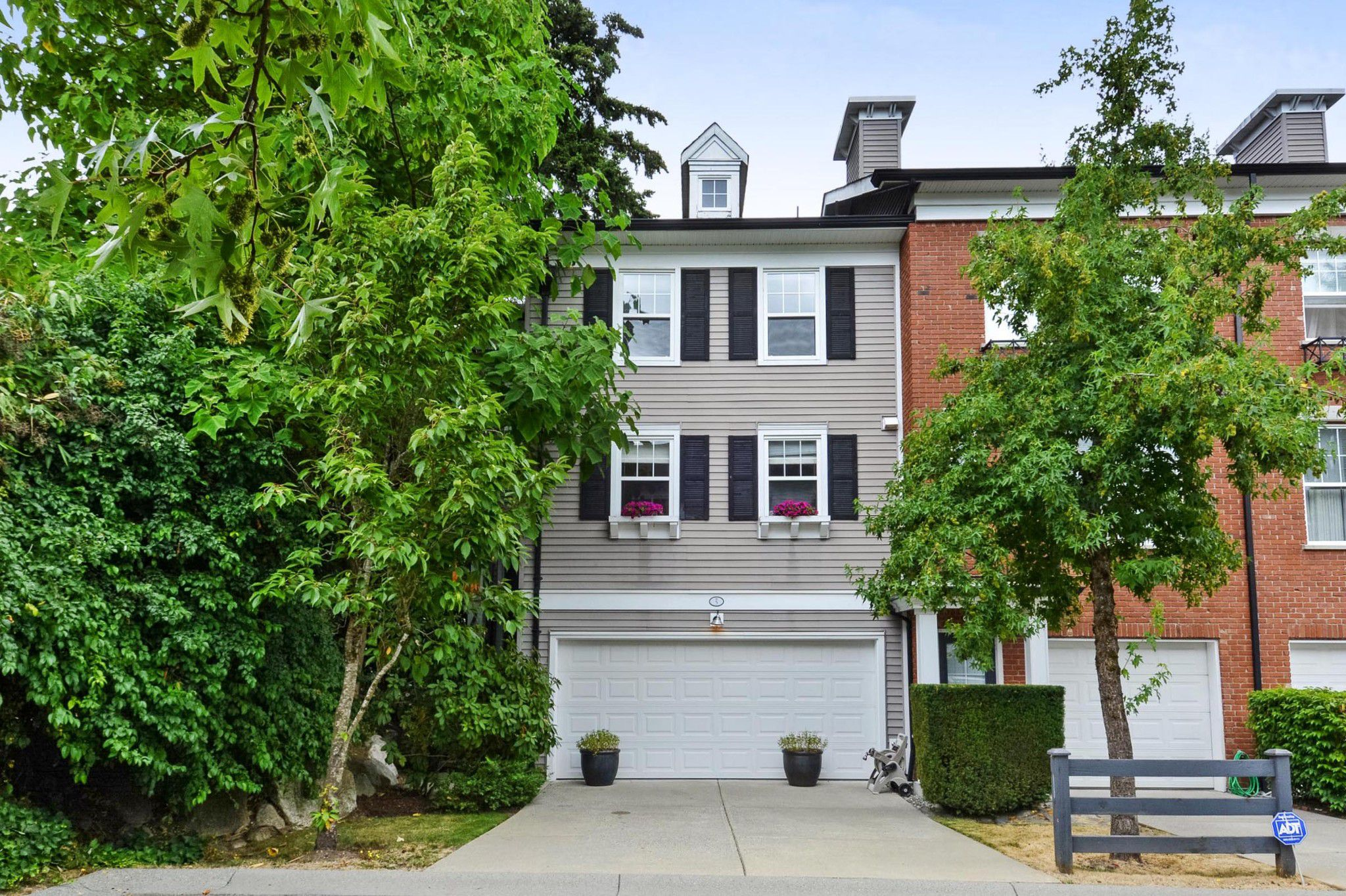 """Main Photo: 5 15075 60 Avenue in Surrey: Sullivan Station Townhouse for sale in """"Natures Walk"""" : MLS®# R2294794"""