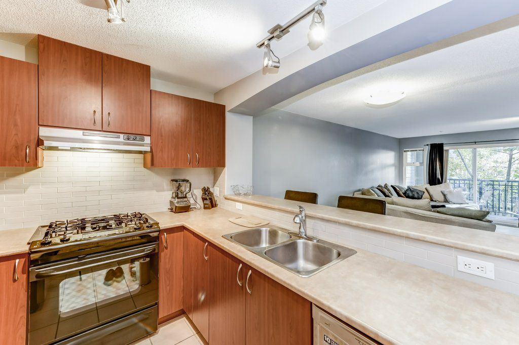 """Main Photo: 202 9233 GOVERNMENT Street in Burnaby: Government Road Condo for sale in """"SANDLEWOOD"""" (Burnaby North)  : MLS®# R2343203"""