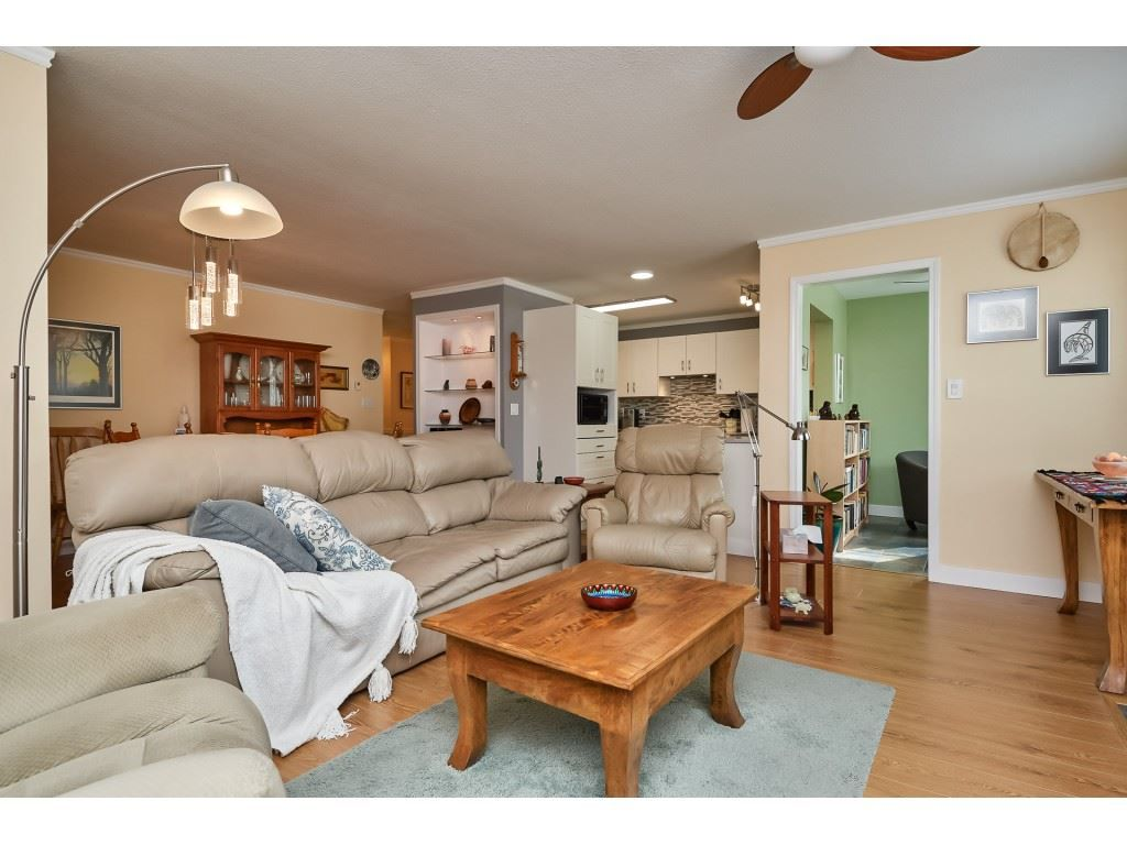 "Main Photo: 104 1234 MERKLIN Street: White Rock Condo for sale in ""Ocean Vista"" (South Surrey White Rock)  : MLS®# R2348458"
