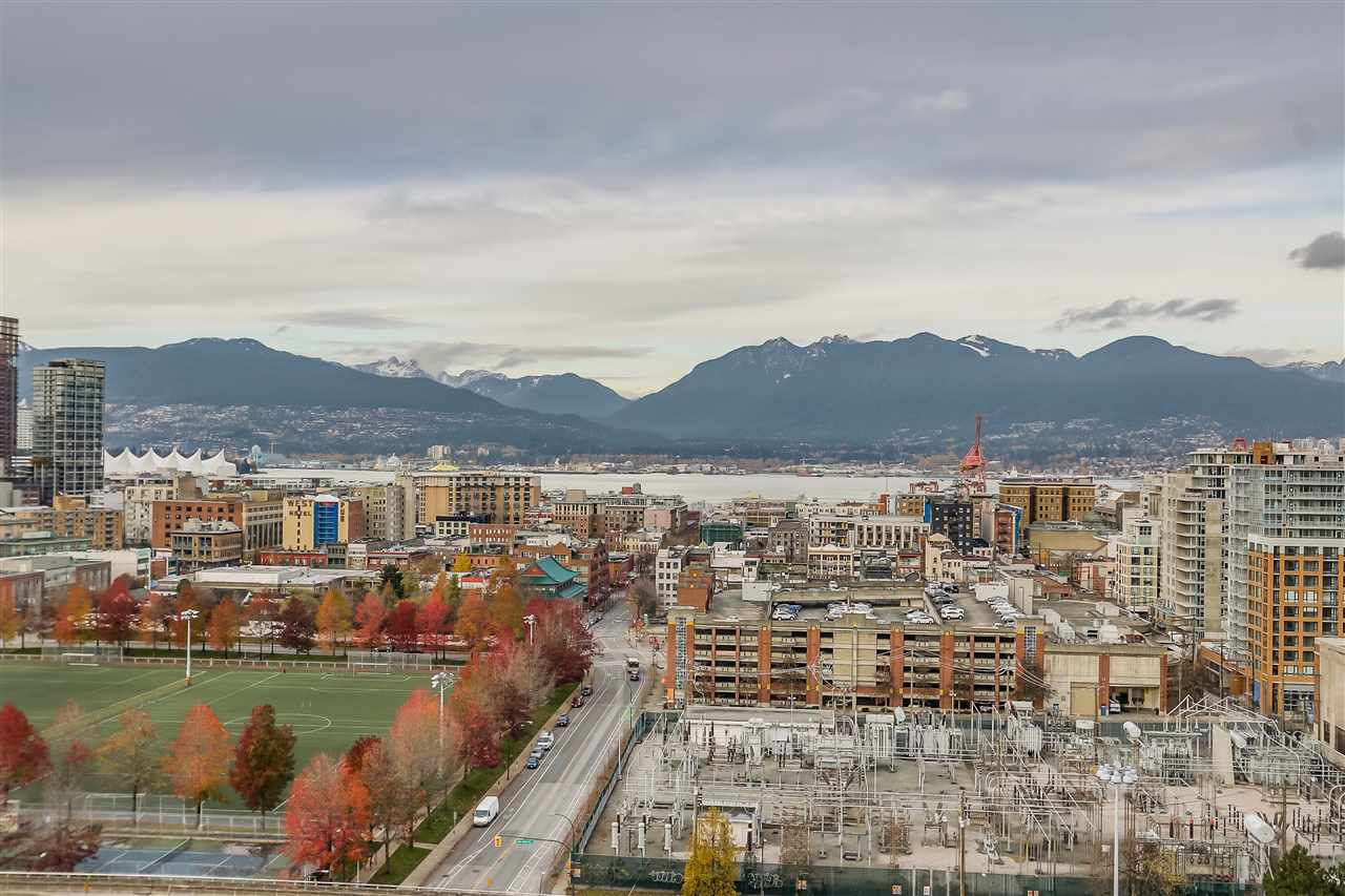 "Main Photo: 1801 125 MILROSS Avenue in Vancouver: Downtown VE Condo for sale in ""Creekside"" (Vancouver East)  : MLS®# R2355914"