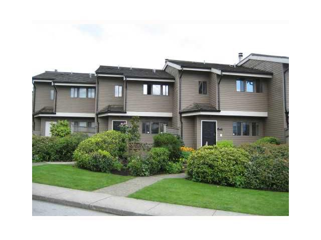 "Main Photo: 4 251 W 14TH Street in North Vancouver: Central Lonsdale Townhouse for sale in ""THE TIMBERS"" : MLS®# V877713"