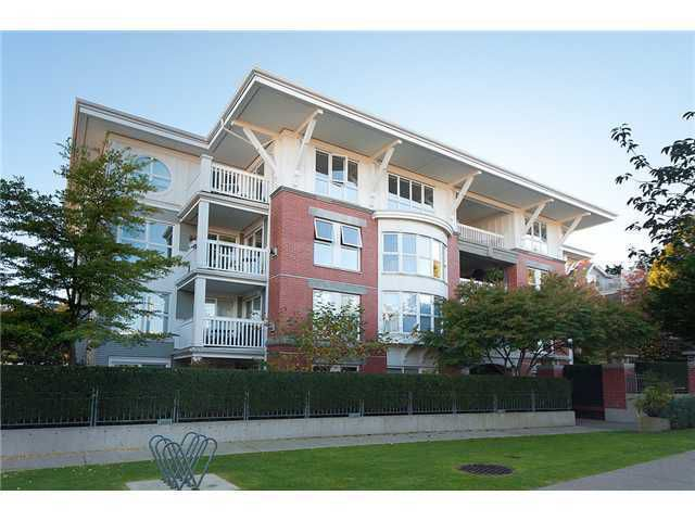 Main Photo: 1858 West 5th Ave. in Vancouver: Kitsilano Condo for sale (Vancouver West)  : MLS®# V998731