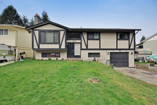 Main Photo: 1925 LYNN Avenue in Abbotsford: Central Abbotsford House for sale : MLS®# R2043834