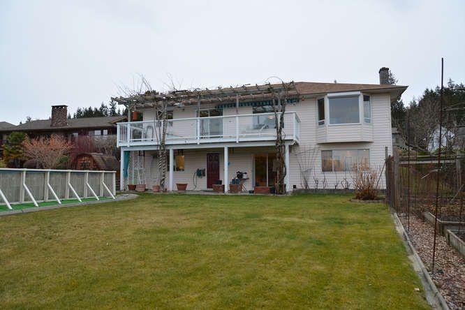 Photo 3: Photos: 4945 ARBUTUS Road in Sechelt: Sechelt District House for sale (Sunshine Coast)  : MLS®# R2135958