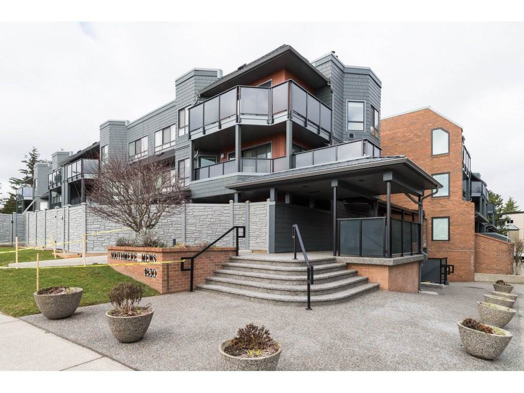 "Main Photo: 203 1830 E SOUTHMERE Crescent in Surrey: Sunnyside Park Surrey Condo for sale in ""SOUTHMERE MEWS"" (South Surrey White Rock)  : MLS®# R2140511"