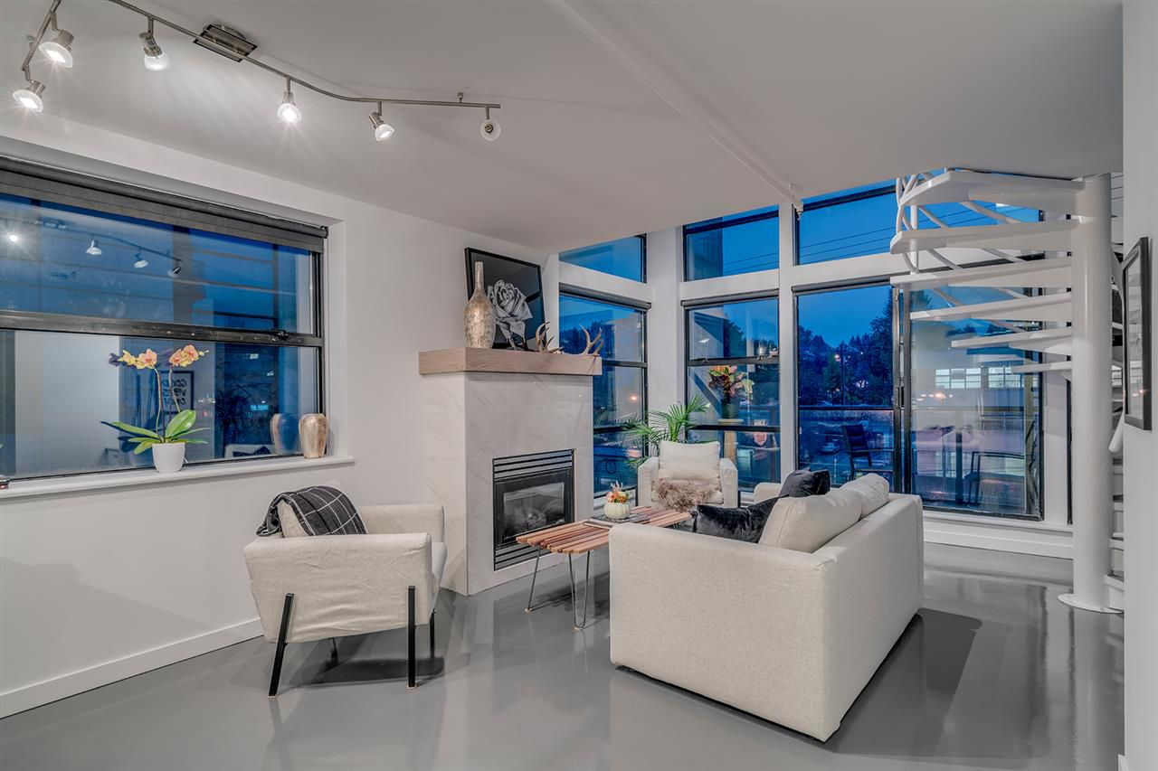 """Main Photo: 501 428 W 8TH Avenue in Vancouver: Mount Pleasant VW Condo for sale in """"XL LOFTS"""" (Vancouver West)  : MLS®# R2214757"""