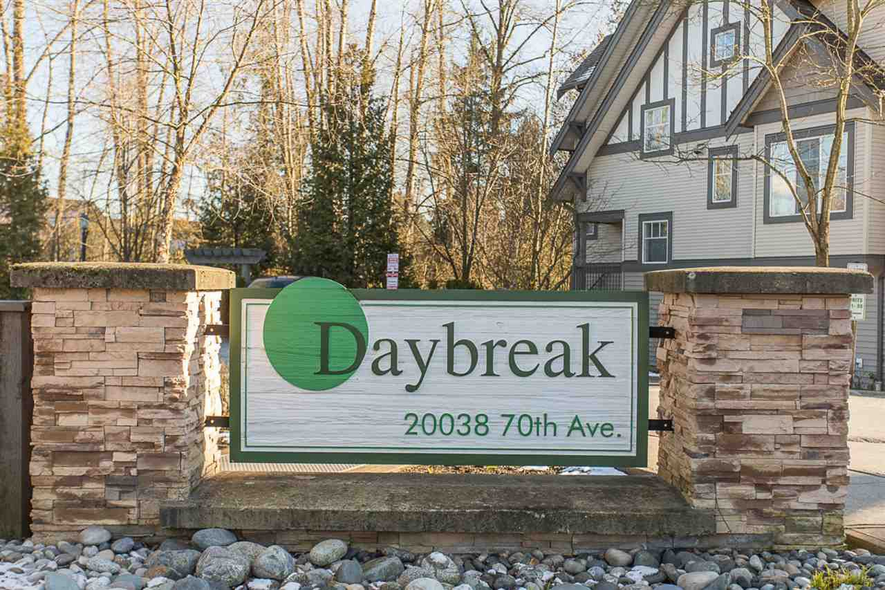 """Main Photo: 81 20038 70 Avenue in Langley: Willoughby Heights Townhouse for sale in """"Daybreak"""" : MLS®# R2324087"""