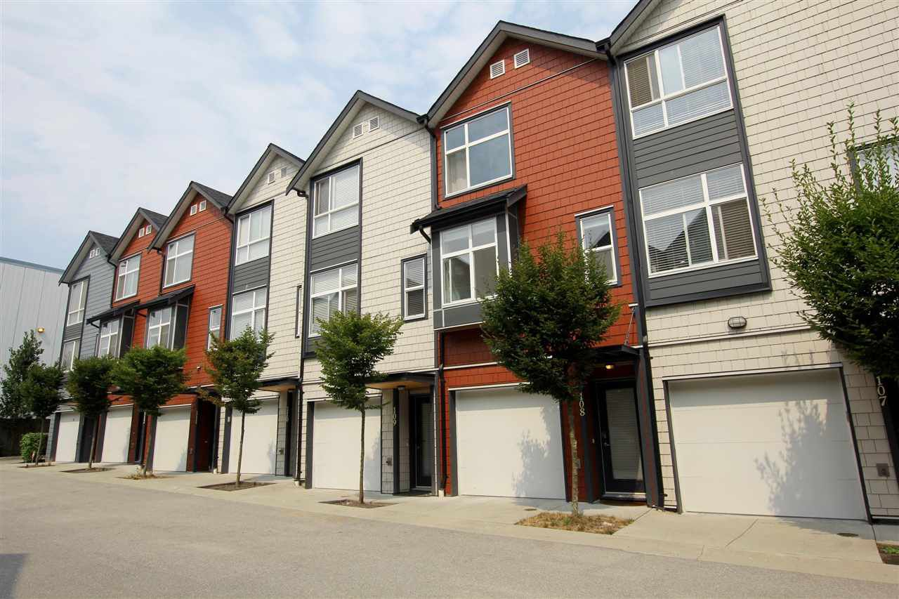 """Main Photo: 108 7533 GILLEY Avenue in Burnaby: Metrotown Townhouse for sale in """"Casa D'Oro"""" (Burnaby South)  : MLS®# R2329454"""
