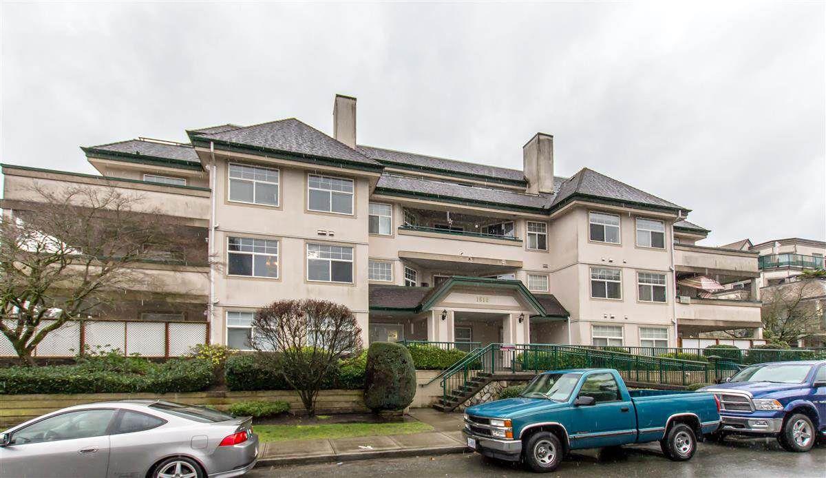 "Main Photo: 207 1618 GRANT Avenue in Port Coquitlam: Glenwood PQ Condo for sale in ""WEDGEWOOD MANOR"" : MLS®# R2359251"