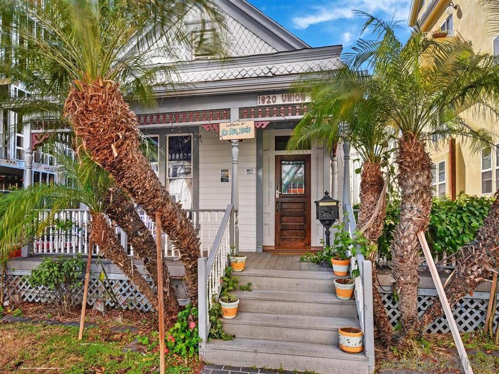 Main Photo: DOWNTOWN House for sale : 4 bedrooms : 1620 Union St in San Diego