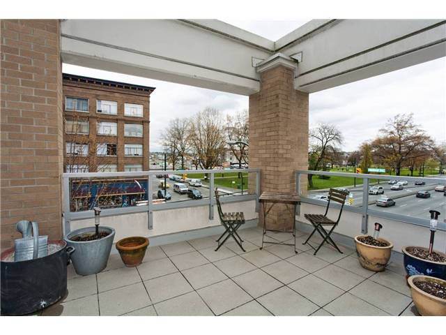 Main Photo: # 304 189 NATIONAL AV in Vancouver: Mount Pleasant VE Condo for sale (Vancouver West)  : MLS®# V884051