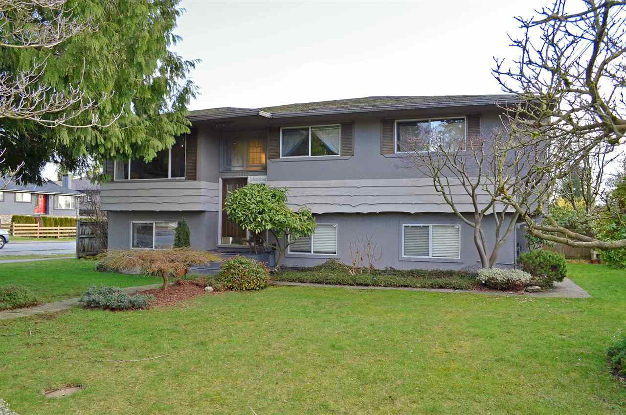 Main Photo: 1220 BRISBANE Avenue in Coquitlam: Harbour Chines House for sale : MLS®# R2034962