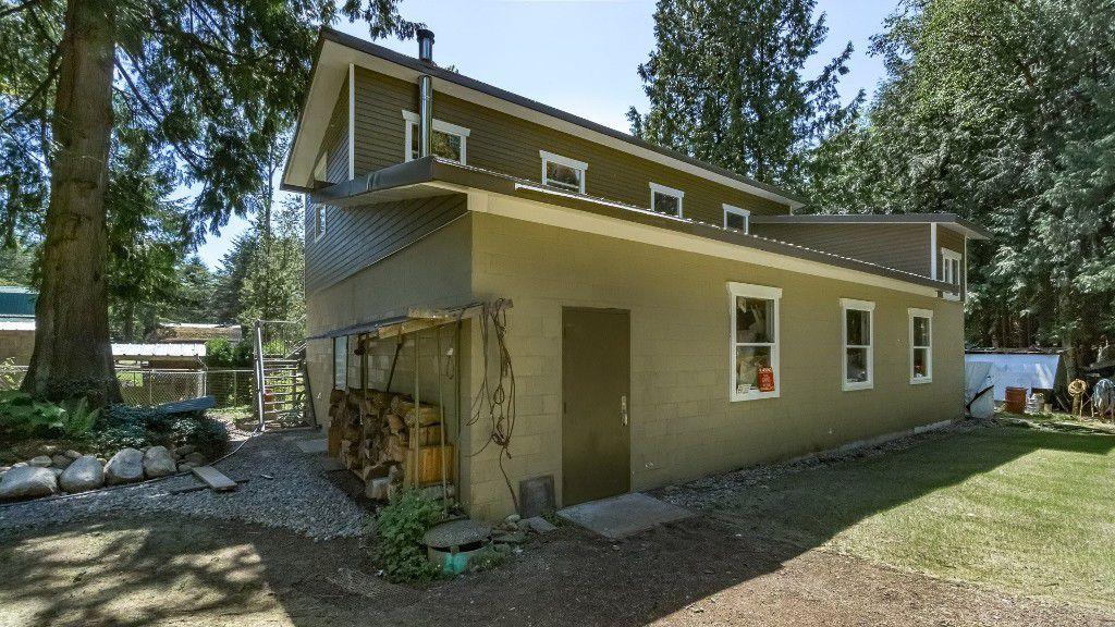 Main Photo: 3955 248 STREET in Langley: Salmon River House for sale : MLS®# R2188925