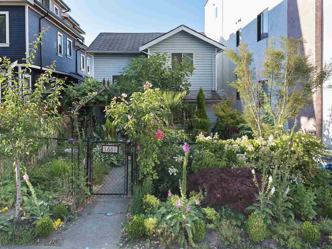Main Photo: 1663 E 14TH Avenue in Vancouver: Grandview VE House 1/2 Duplex for sale (Vancouver East)  : MLS®# R2201048
