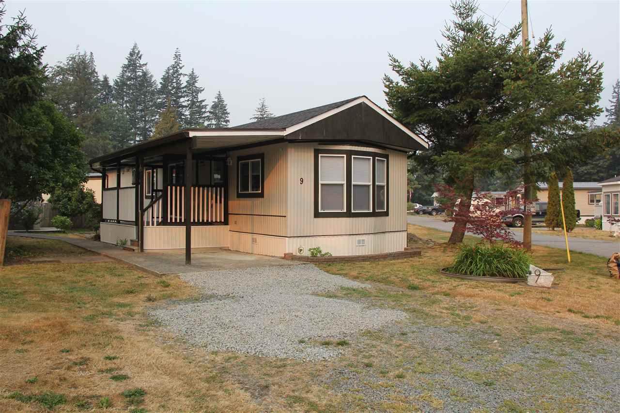 Main Photo: 9 65367 KAWKAWA LAKE Road in Hope: Hope Kawkawa Lake Manufactured Home for sale : MLS®# R2275767