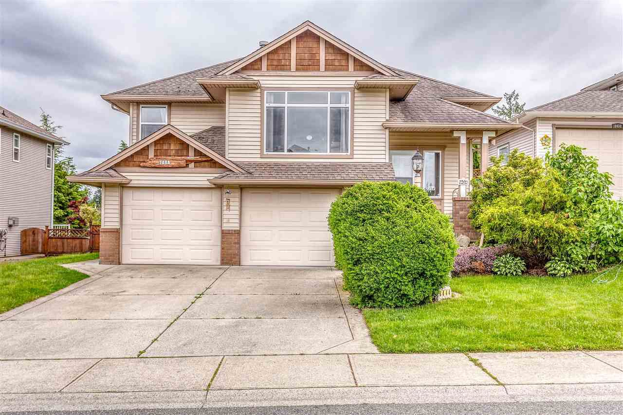 Main Photo: 8444 DOERKSEN Drive in Mission: Mission BC House for sale : MLS®# R2382332