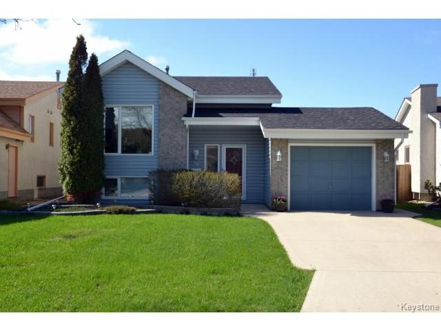 Main Photo: 58 Becontree Bay in WINNIPEG: St Vital Residential for sale (South East Winnipeg)  : MLS®# 1411805