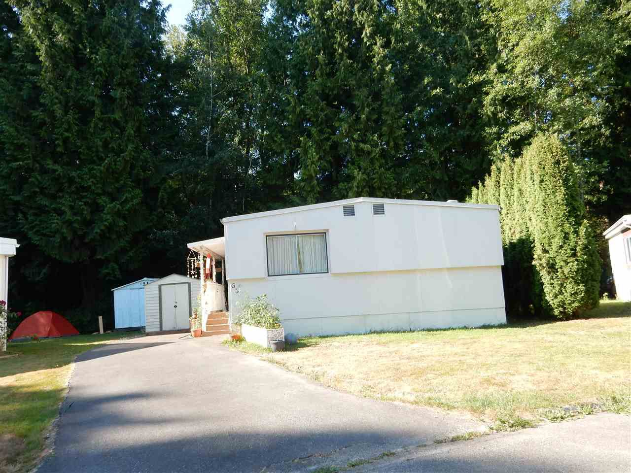 "Main Photo: 63 8220 KING GEORGE Boulevard in Surrey: Bear Creek Green Timbers Manufactured Home for sale in ""Crestway Bays"" : MLS®# R2063849"