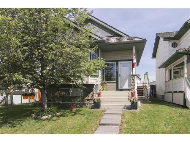Main Photo: 208 MT ABERDEEN Circle SE in Calgary: McKenzie Lake House for sale : MLS®# C4067845