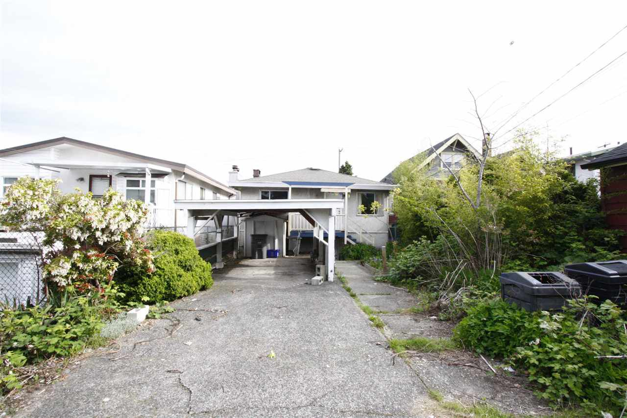 Photo 3: Photos: 3188 E 5TH Avenue in Vancouver: Renfrew VE House for sale (Vancouver East)  : MLS®# R2163950