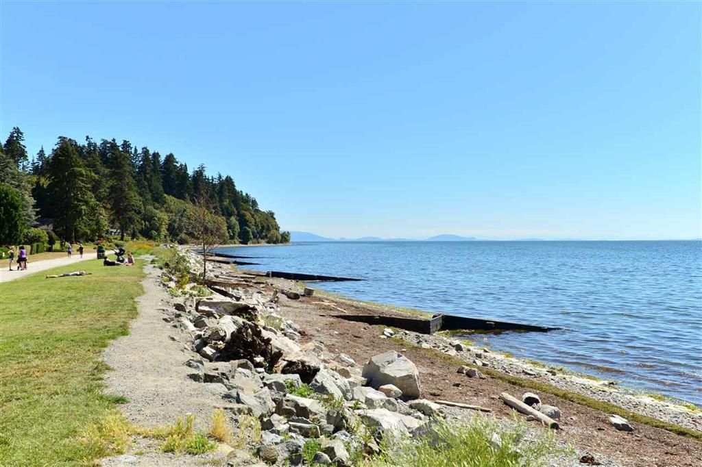 "Main Photo: 2836 MCKENZIE Avenue in Surrey: Crescent Bch Ocean Pk. House for sale in ""Crescent Beach Village"" (South Surrey White Rock)  : MLS®# R2169992"