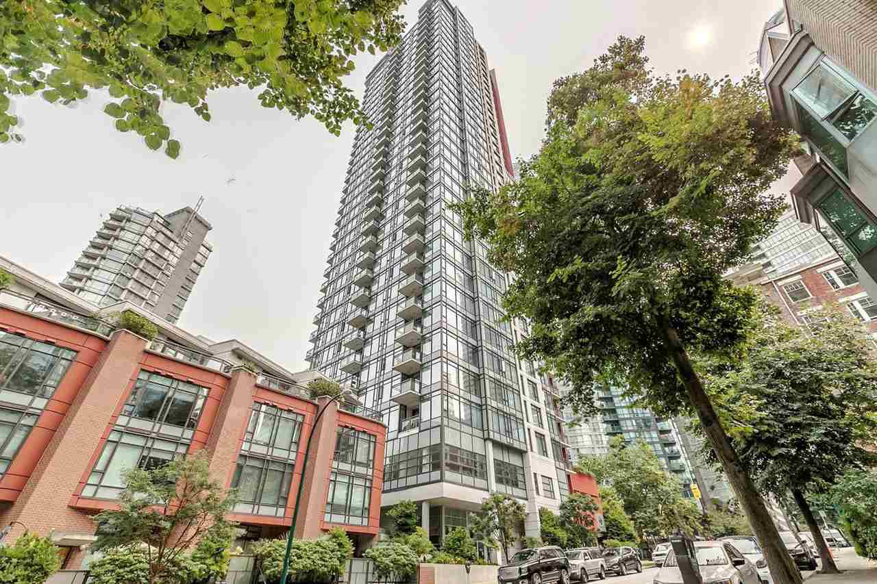 "Main Photo: 1201 1211 MELVILLE Street in Vancouver: Coal Harbour Condo for sale in ""THE RITZ"" (Vancouver West)  : MLS®# R2195394"