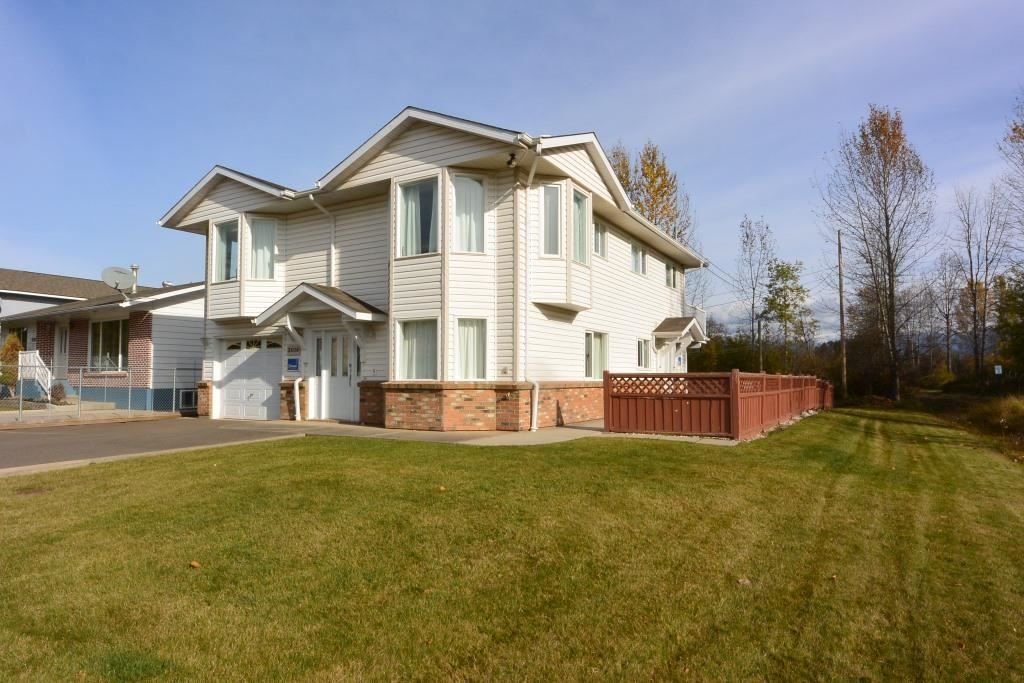 Main Photo: 3608 ALFRED Avenue in Smithers: Smithers - Town House for sale (Smithers And Area (Zone 54))  : MLS®# R2217028